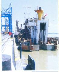 Thi công san lấp cảng Cát Lái